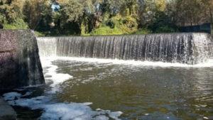 Киевский водопад вид вблизи
