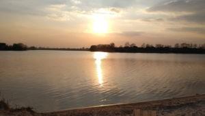 Закат на озере Мартышев
